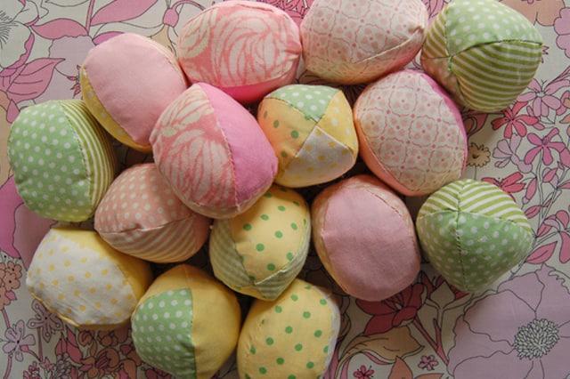 Διακοσμητικά πασχαλινά αυγά από ύφασμα 2
