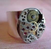 watch_gear_ring_sylvia_anderson