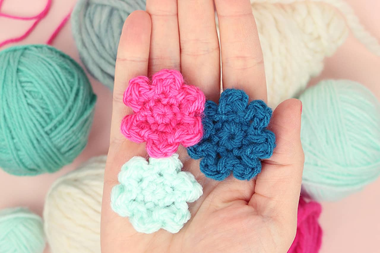 Λουλούδια με βελονάκι 1