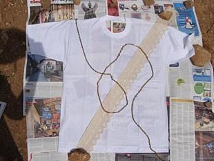 Μπλουζάκι με φυσικά στένσιλ 2