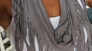 tshirt-scarf