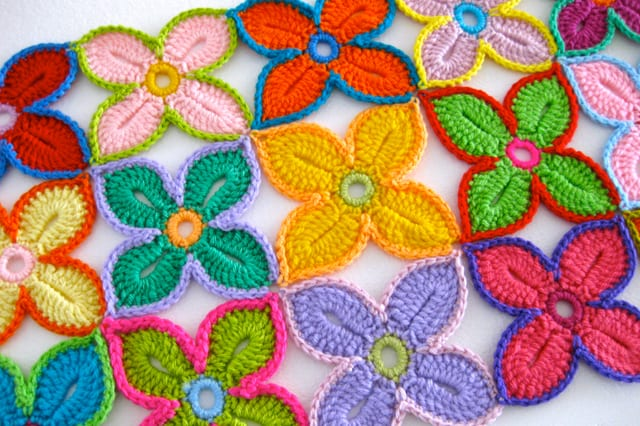 Χαβανέζικα λουλούδια με βελονάκι 1