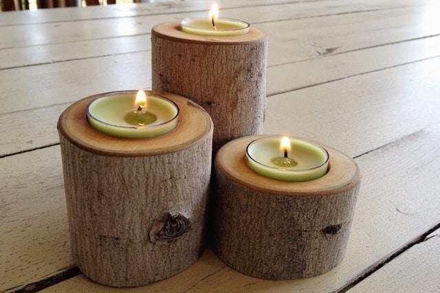 Βάσεις για κεριά από κορμό