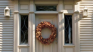 Martha-Stewart-big-wreath