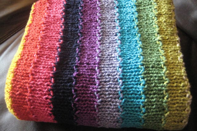 Πολύχρωμη πλεκτή κουβέρτα 1