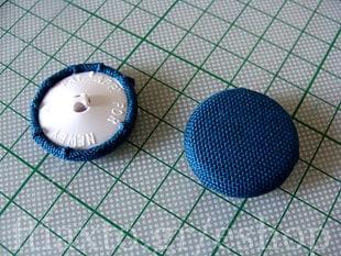 Πως να ντύσεις πλαστικά κουμπιά με ύφασμα 7