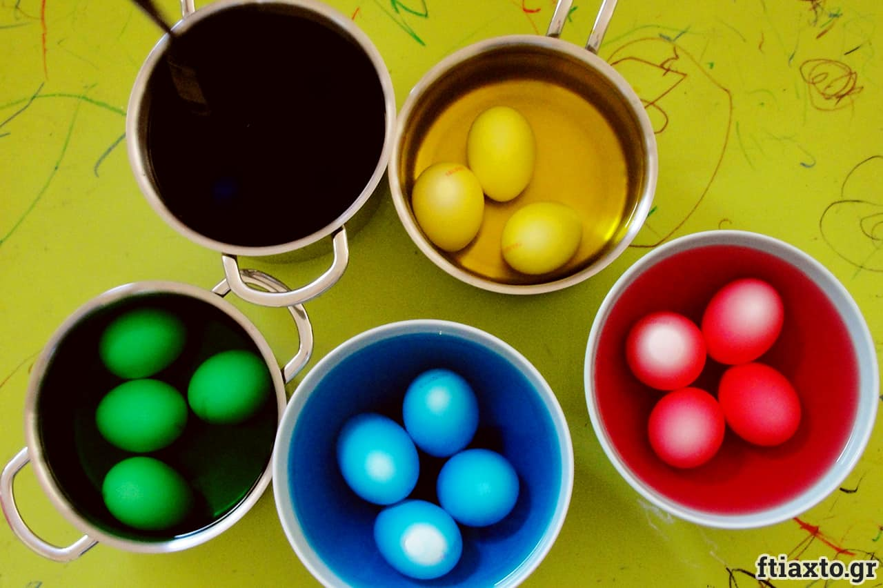 Βάψιμο αυγών με χρώματα ζαχαροπλαστικής 3