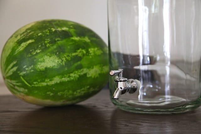 Πώς να κάνεις ένα καρπούζι βρυσάκι