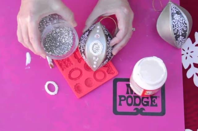 Iδέες για χριστουγεννιάτικα στολίδια από την Mod Podge 2