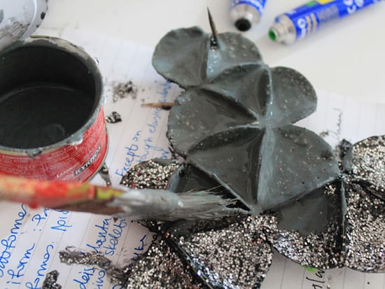Recycled-Cardboard-Glitter-Necklace-Tutorial7