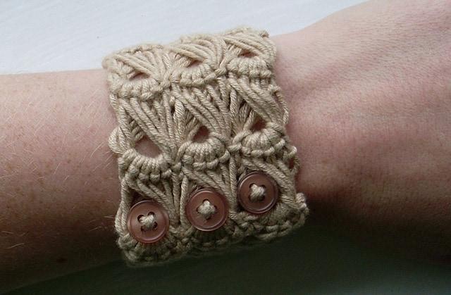 broomstick_bracelet_main