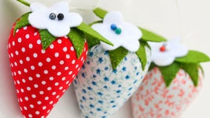 fraoula-pincushion-small