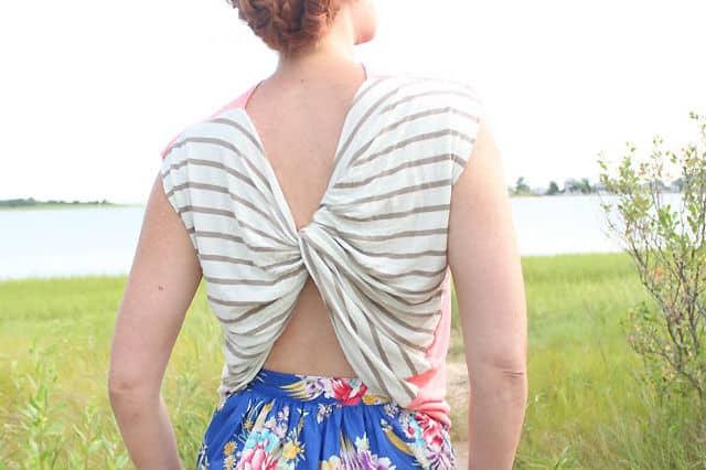Μπλουζάκι με στριφογυριστή πλάτη 2