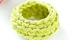 crochet-bangle