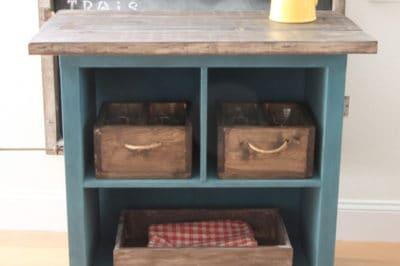 DIY: Πώς να φτιάξεις ένα τρόλει κουζίνας από παλιά βιβλιοθήκη