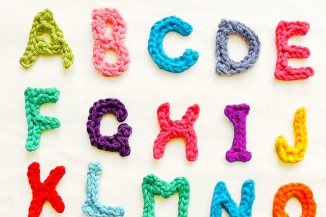 Πλεκτά γράμματα με βελονάκι 5