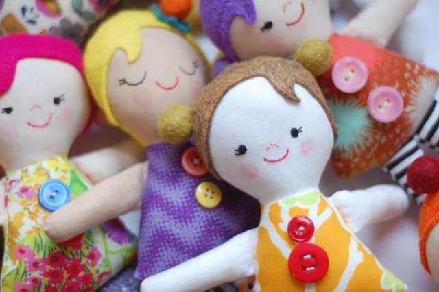 Πάνινη κούκλα για αγκαλιές 2