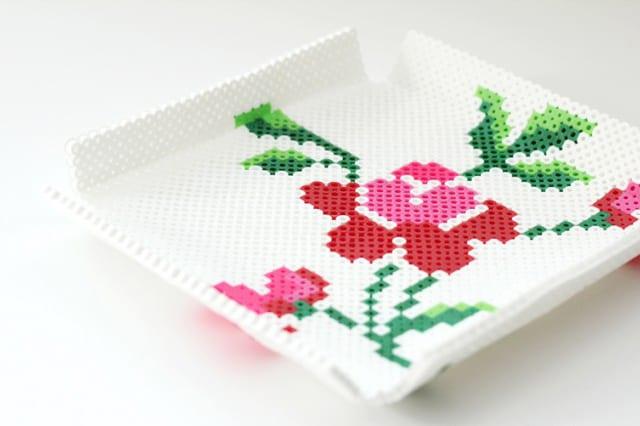 Δισκάκι από πλαστικές χάντρες 2
