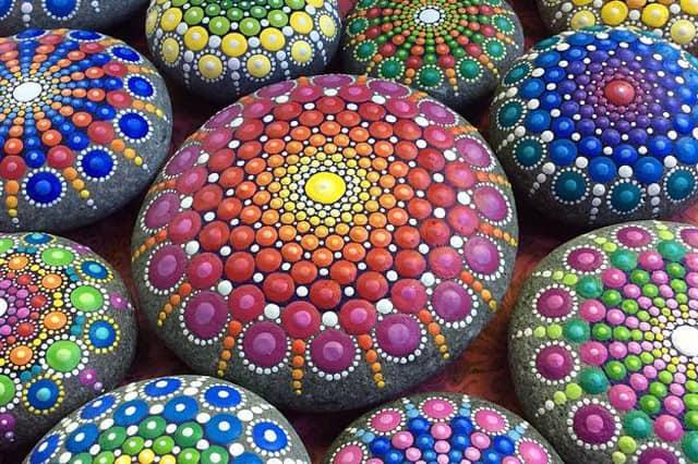 6+1 ιδέες για ζωγραφική σε πέτρες 1