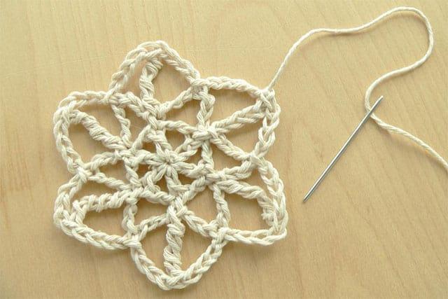crochet-snowflake-2