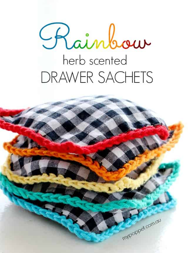 colored-sachet-crochet-main
