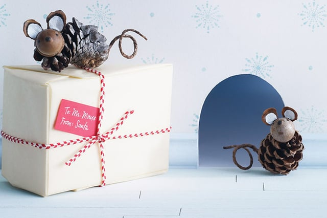 Χριστουγεννιάτικα ποντικάκια από κουκουνάρια 1