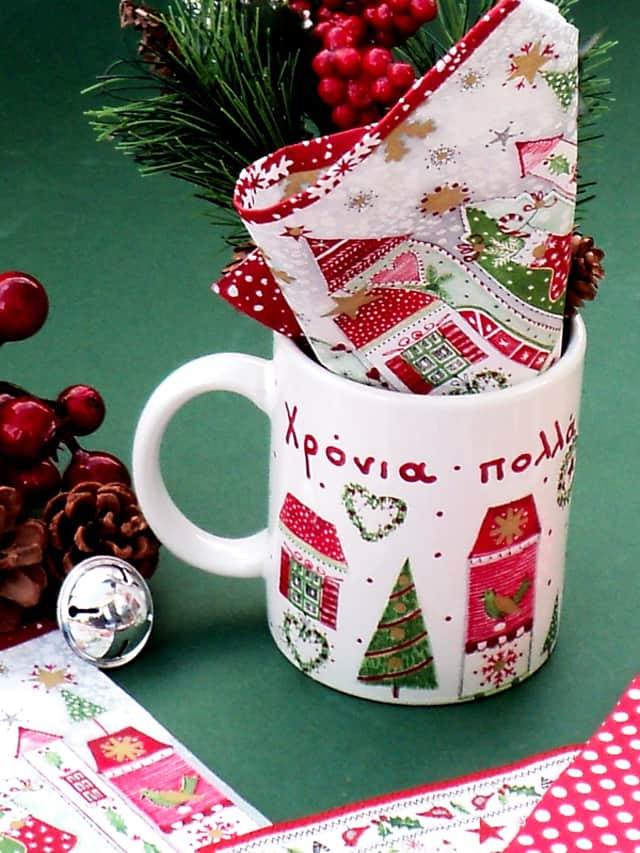 Χριστουγεννιάτικη κούπα με ντεκουπάζ 4