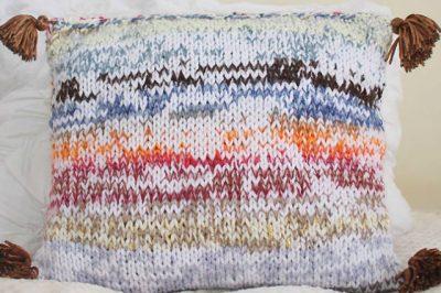 πλεκτό μαξιλάρι
