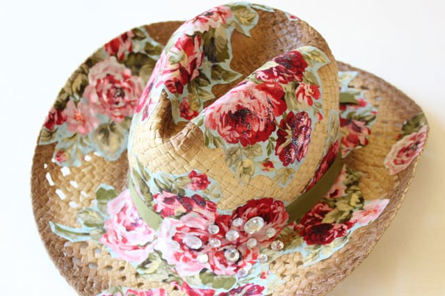 Ντεκουπάζ με ύφασμα σε καπέλο 2