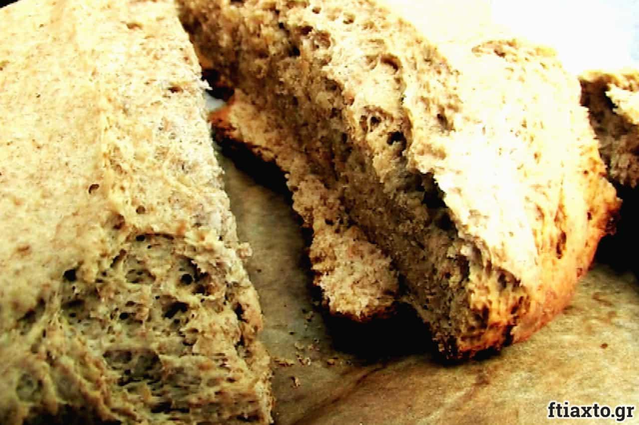 Παραδοσιακό χωριάτικο ψωμί με βότανα 2