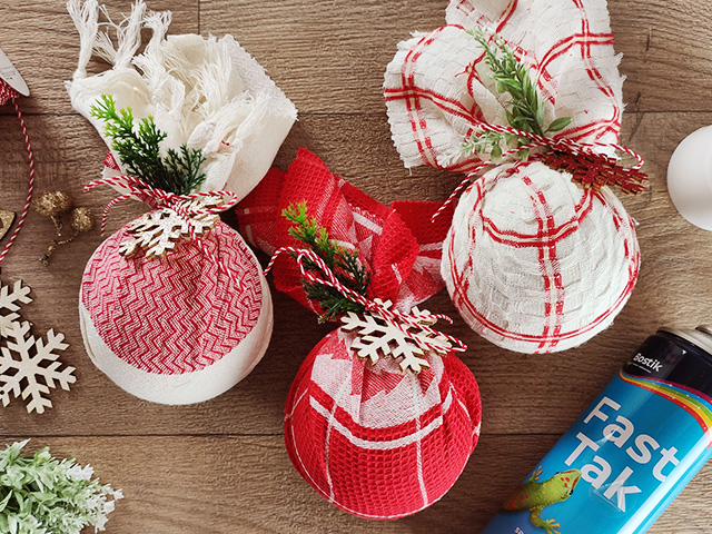 Χριστουγεννιάτικα στολίδια από ύφασμα